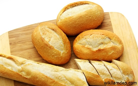 Bài học cuộc sống : Ổ bánh mì và lão già kì quặc