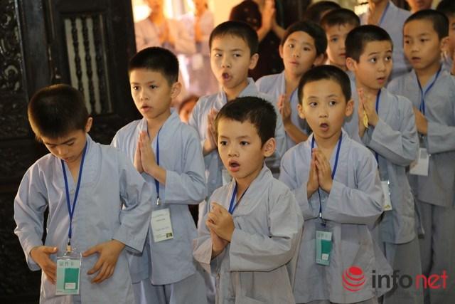 """Bán khoán trẻ lên chùa cho """"dễ nuôi"""" – Thực hư như thế nào?"""