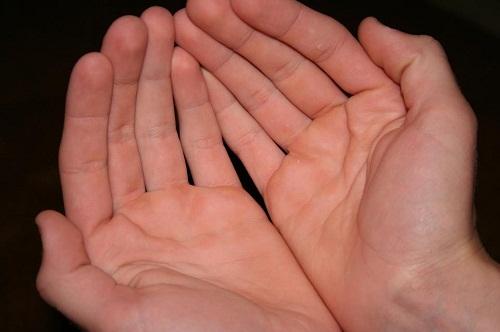 Bài học cuộc sống, đôi bàn tay của mẹ